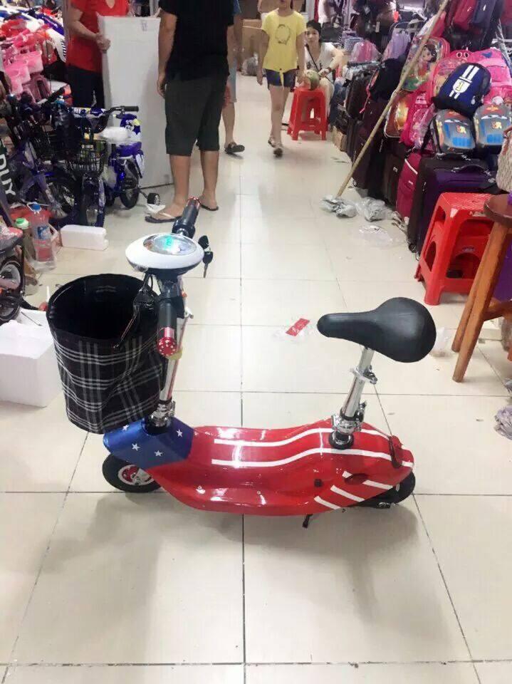 xe đạp điện mini scooter màu đỏ